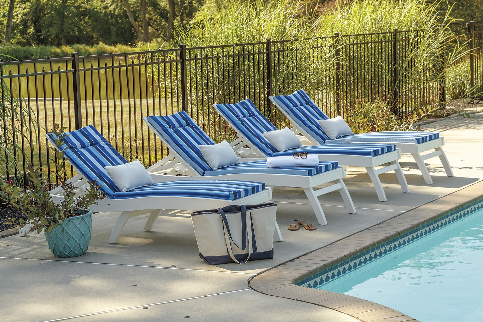 Bayshore Chaises by Casual Comfort